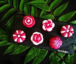 莲蓉花朵和果子的做法