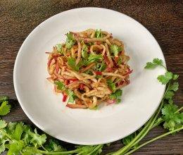 #花10分钟,做一道菜!#凉拌萝卜丝的做法