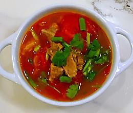 【孕妇食谱】西红柿炖牛腩,牛肉酥烂,汤汁酸甜可口的做法