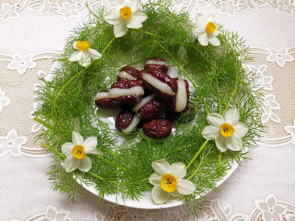 冷菜零嘴类:糯米粉嵌红枣,一道靓丽的冷菜的做法