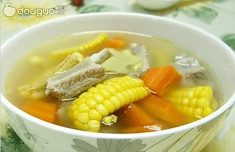 玉米排骨汤的做法