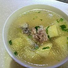 排骨土豆瘦肉汤
