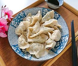 #母亲节,给妈妈做道菜#时令槐花猪肉馅饺子的做法
