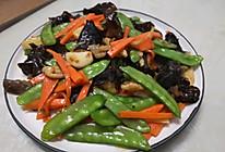 #憋在家里吃什么#黑木耳荷兰豆炒胡萝卜的做法