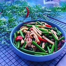 #精品菜谱挑战赛#家常菜+蒜苔炒鱿鱼