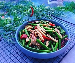#精品菜谱挑战赛#家常菜+蒜苔炒鱿鱼的做法