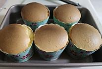 有椰香味的海绵杯子蛋糕的做法