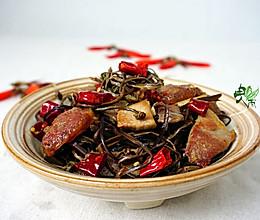 双腊炒蕨菜的做法