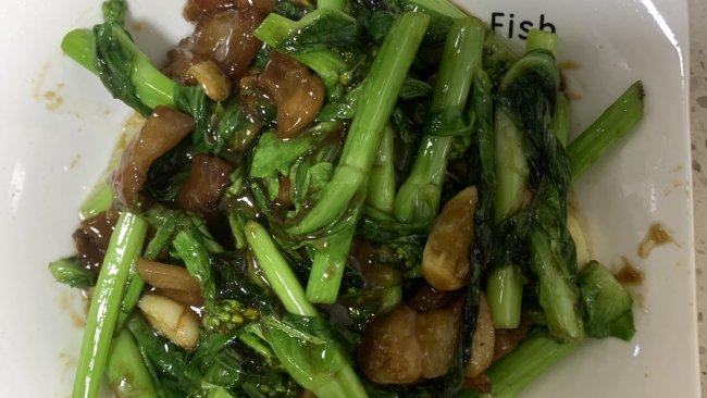 #少盐饮食 轻松生活#猪油渣炒白菜花。的做法
