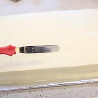 大号方形庆典蛋糕淡奶油抹面裱花的做法图解7