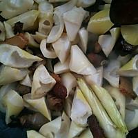 大喜大牛肉粉之咸肉炖春笋的做法图解6