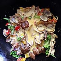 蛤蜊白汁意面的做法图解2