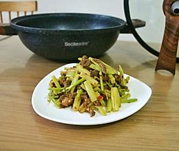 芹菜牛肉#做道懒人菜,轻松享假期#的做法
