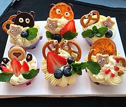 原创充满童趣的小怪兽纸杯蛋糕的做法