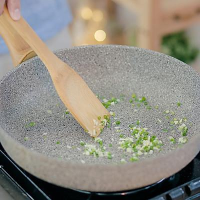 蛤蜊粉丝煲的做法 步骤7