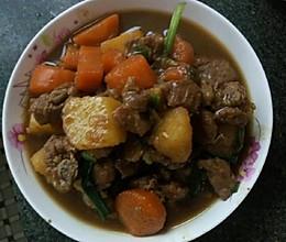 红烧排骨炖萝卜土豆的做法