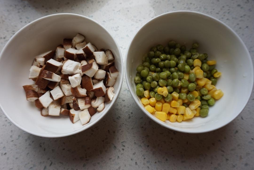 捞汁什锦的做法_沙茶什锦豆腐怎么做_沙茶什锦豆腐的做法_小黠大痴_豆果美食
