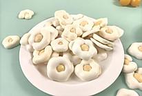 十月宝宝的小零食  酸奶小花溶豆的做法