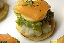【滚滚厨房】星级塔——烟熏三文鱼牛油果土豆泥配薄煎饼的做法