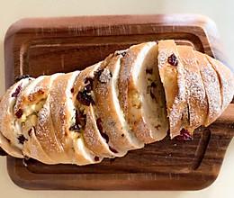 #换着花样吃早餐#蔓越莓奶酪欧包,实现面包自由!的做法