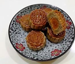 莲蓉蛋黄月饼50克的做法