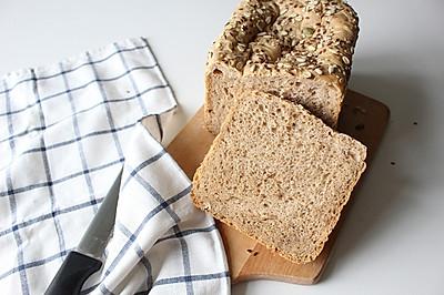 杂粮核桃面包--东菱面包机试用报告