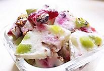 夏日解暑必备小甜品~士力架水果冻酸奶的做法