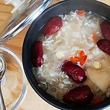 梨+红枣百合银耳粥