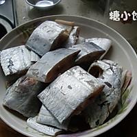 【香辣红烧带鱼】不放一滴水的醇香的做法图解2