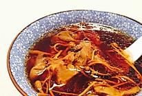 花胶虫草花龙骨美容汤的做法