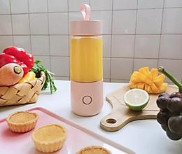 夏日必备-芒果汁的做法