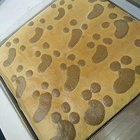 萌萌的小脚丫蛋糕卷的做法图解10