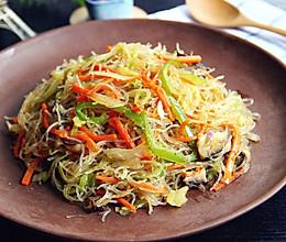 快手菜:简单美味的·素炒粉丝·的做法