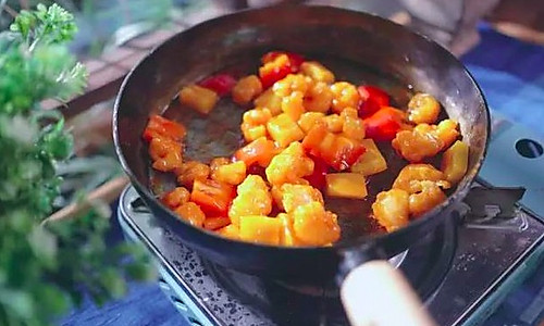 菠萝咕噜虾|日食记的做法