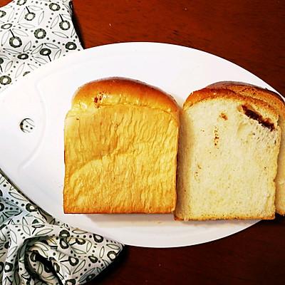 短时(一次发酵)软面包之:核桃牛奶土司