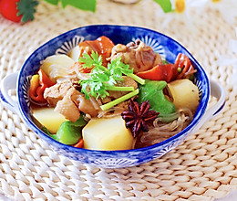 #就是红烧吃不腻!#土鸡土豆粉条一锅炖的做法