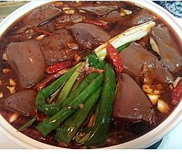 冬日暖锅:超简单麻辣猪血豆腐煲的做法