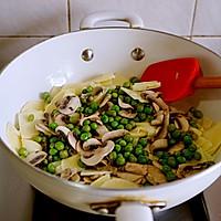 春天的味道-豌豆蘑菇炒春笋的做法图解13