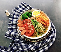 酸汤荞麦冷面~的做法