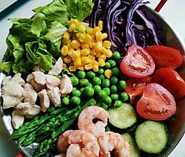 懒人必备鸡胸肉虾仁蔬菜沙拉~丘比沙拉酱的做法