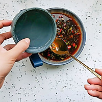 #宅家厨艺 全面来电#家庭版酸辣米线的做法图解3