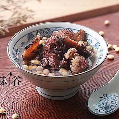双豆土茯苓猪骨汤