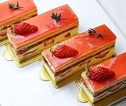 草莓慕斯蛋糕(视频菜谱)的做法