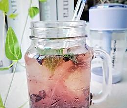 透心凉蓝莓冻冻气泡水的做法