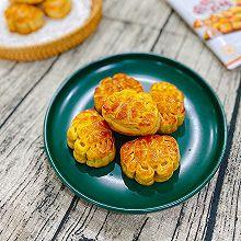 网红螃蟹月饼之广式蛋黄莲蓉月饼