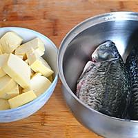 初秋养生汤——鲫鱼豆腐汤的做法图解1