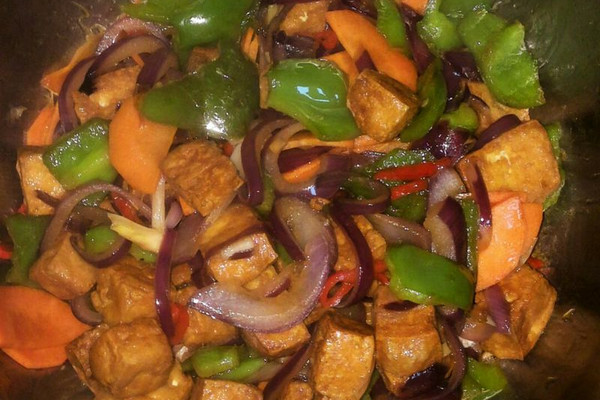 过油豆腐炒青椒的做法