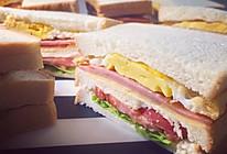 火腿煎蛋三明治——简单快手的经典款的做法