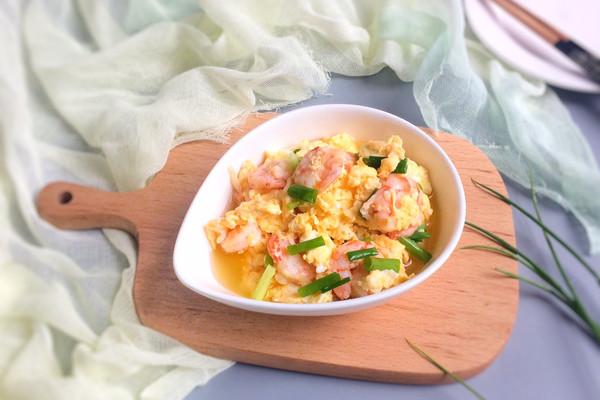 葱香虾仁炒鸡蛋 一口便爱上这鲜美细嫩的做法