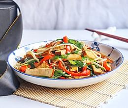 #餐桌上的春日限定#韭菜豆芽炒香干的做法